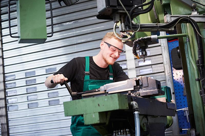 Ausbildung zum Industriemechaniker bei A.S. Création in Gummersbach und Wiehl