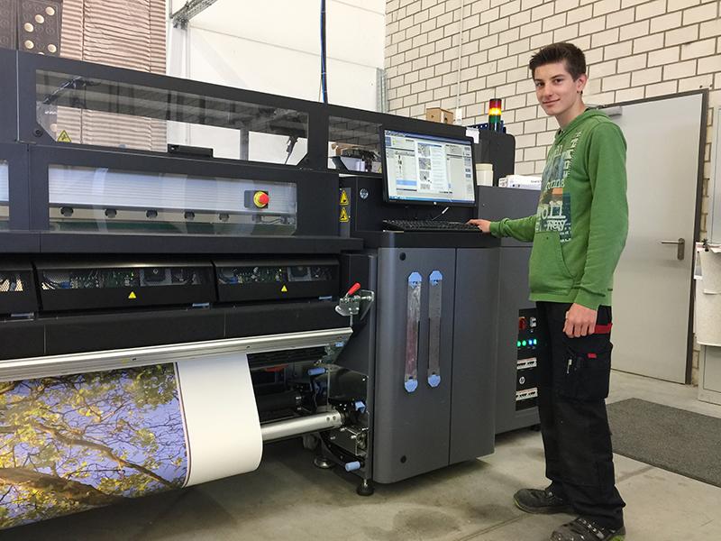 Ausbildung zum Medientechnologen: Ausbildung bei A.S. Création in Wiehl und Gummersbach