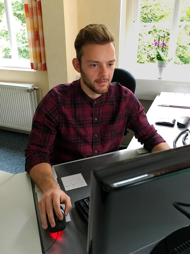 Ausbildung Industriekaufmann, Ausbildung in Wiehl und Gummersbach