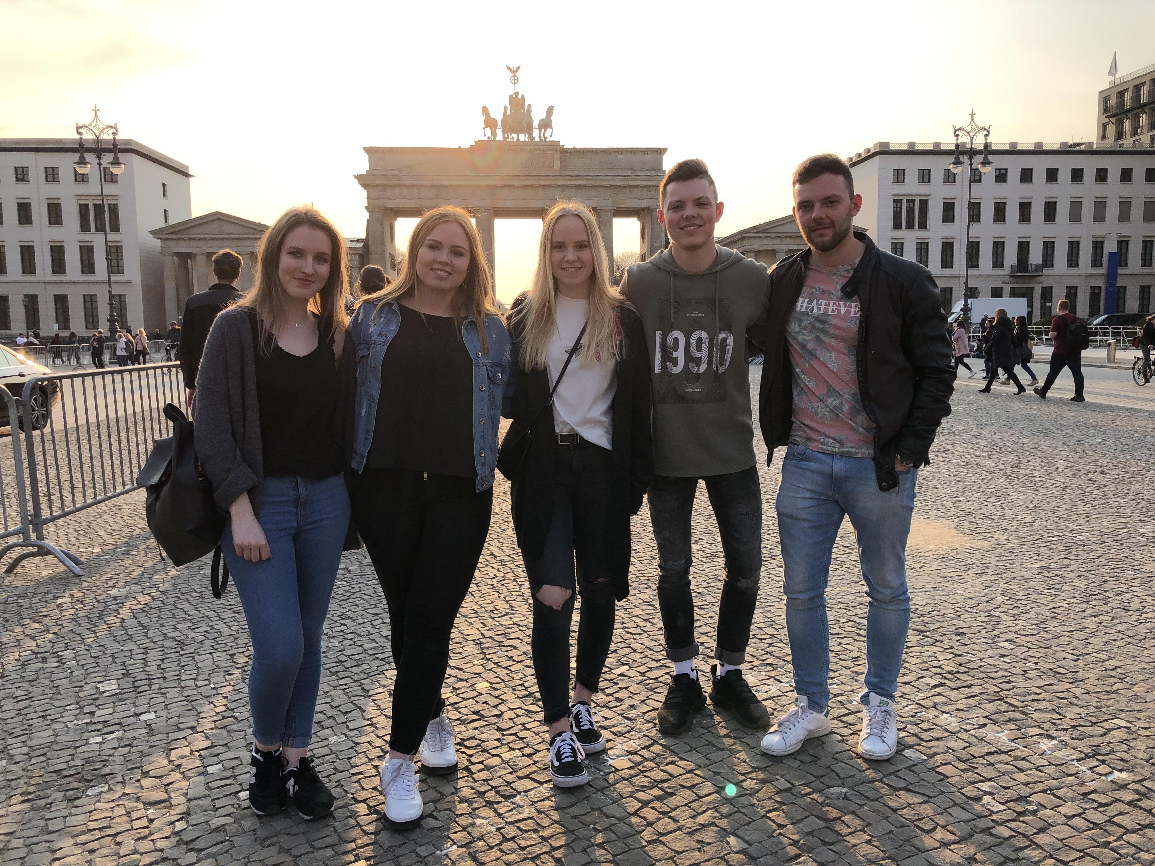 Klassenfahrt Berlin, Ausbildung bei A.S. Création